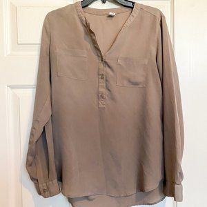 4/$30 NWOT Old Navy Tan Blouse Button up